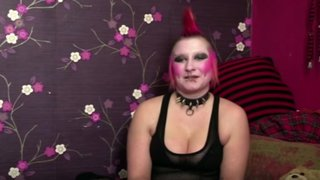 Mira la transformación de una chica punk tras un radical cambio de look