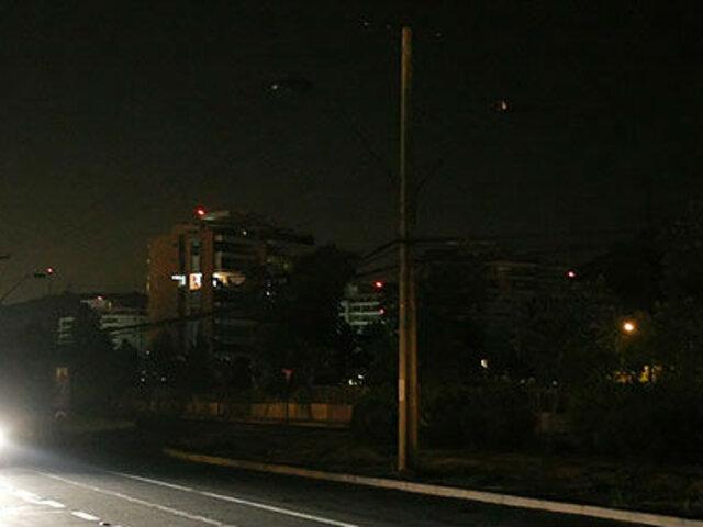 Chile: reportan corte de energía eléctrica por fuertes vientos y lluvia