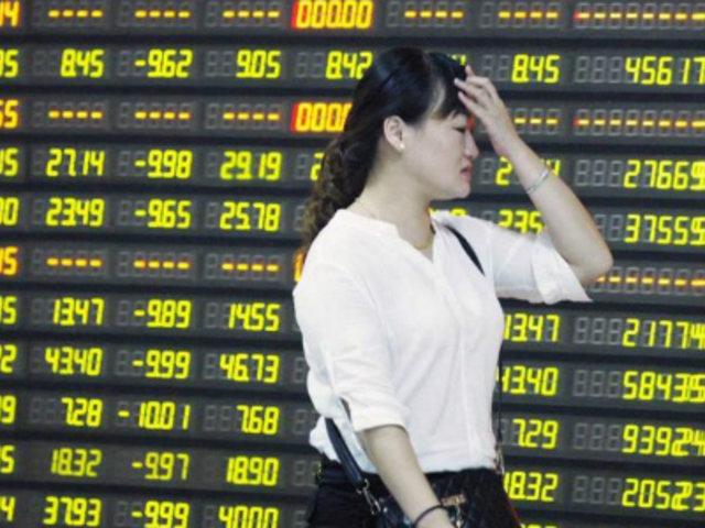 Pánico bursátil en el mundo tras desplome de bolsa de valores en China