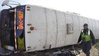 Camaná: despiste y volcadura de bus deja 17 heridos en la Panamericana Sur
