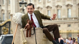 Mr.Bean celebra sus 25 años frente al Palacio de Buckingham