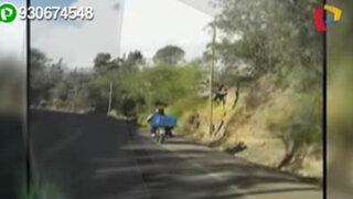 Áncash: moto traslada carga y pasajera de forma temeraria