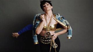 Katy Perry y su sensual atuendo para campaña de marca de ropa