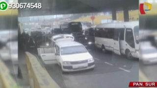 Colectivos bloquean Panamericana Sur a la altura del puente Benavides
