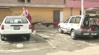 Informe 24: lavadores de carros informales se apoderan de la vía pública