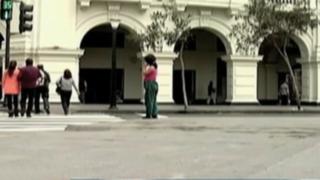 Padres utilizan a sus menores hijos para vender en las calles