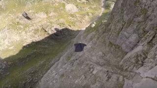 VIDEO: deportista extremo desafía a la muerte con un impresionante salto