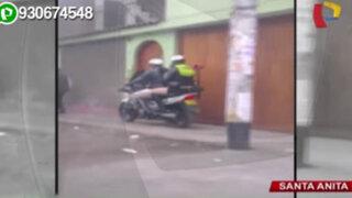 Santa Anita: policías motorizados invaden vereda para evitar tráfico