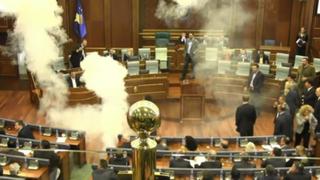 Rusia: diputados lanzan bomba lacrimógena en Congreso