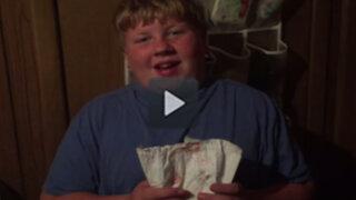 YouTube: quería hacer un tutorial sobre cómo cambiar pañales pero terminó muy mal