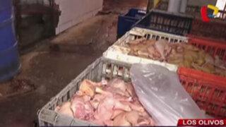 Los Olivos: clausuran locales que vendían pollos en forma insalubre
