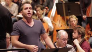 Paolo Fanale, el sexy tenor que desata pasiones en las redes sociales