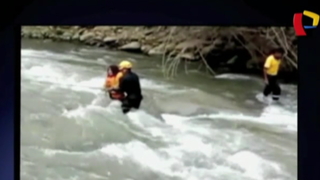 Huarochirí: rescatan a escolares atrapados en río