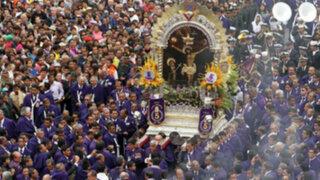 Con fe inquebrantable: La multitud fervorosa detrás del Señor de los Milagros