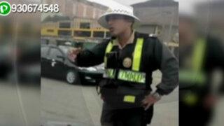 WhatsApp: policía pierde los papeles durante intervención en Ate