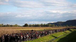 Captan impresionante marea de refugiados en Eslovenia