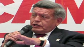 Acuña confirma que Sheput no irá en su lista pero no habla de Marisol Espinoza