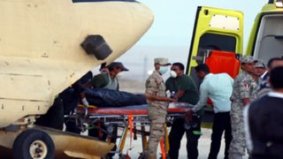 Recuperan 129 cadáveres de víctimas de avión siniestrado en Egipto