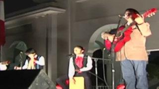 Celebran Día de la Canción Criolla con festejo nocturno en Circuito Mágico del Agua