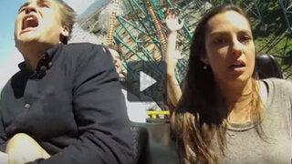 YouTube: entró en pánico y terminó con su novia en plena montaña rusa