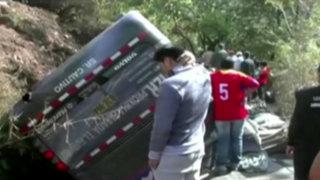 Siete muertos por despiste de bus interprovincial en Abancay