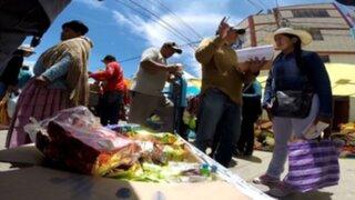 Agrupación ligada al Movadef recolecta firmas a cambio de galletas en Puno