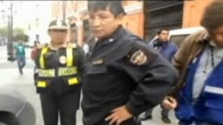 Mal policía que casi atropella a su colega ya es investigado