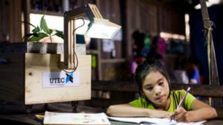 Sorprendente invento: comunidad peruana tiene luz eléctrica a través de plantas