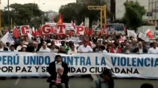Candidatos presidenciales y gremios sindicales marcharon por la paz