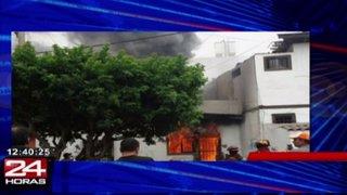 Controlan incendio en San Miguel: siniestro afectó tres viviendas