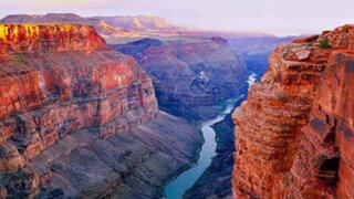 Caminaba por el desierto de Arizona y encontró algo impactante en el fondo de un cañón