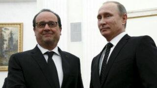 Hollande y Putin reciben apoyo de Gran Bretaña