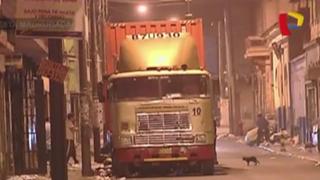 Cercado de Lima: tráiler destruye generador subterráneo y deja sin luz varias casas