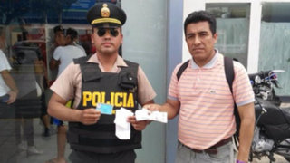 Chiclayo: policía devuelve dinero que encontró en un cajero