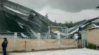 Madre e hija mueren al caer techo de campo deportivo en Trujillo