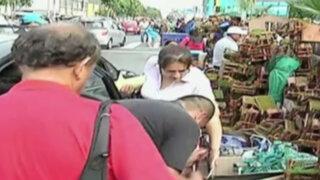 Ambulantes toman parte de la céntrica avenida Nicolás de Piérola