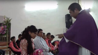 VIDEO: sacerdote agrede y amenaza a una joven en plena misa