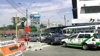 Anuncian medidas para aligerar congestión vehicular en avenida 28 de Julio