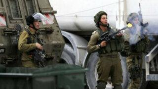 Un muerto y decenas de heridos tras nuevos enfrentamientos en Cisjordania