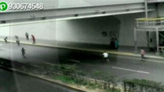 WhatsApp: irresponsables skaters invaden Vía Expresa de la avenida Grau