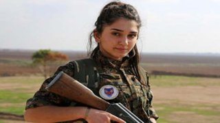 FOTOS: mujeres cristianas de Siria dejan sus familias para luchar contra el Estado Islámico