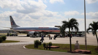 EEUU y Cuba acuerdan restaurar vuelos comerciales
