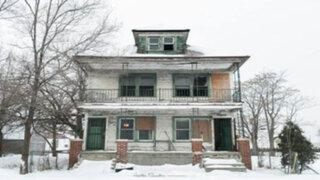 FOTOS: parece una escalofriante casa abandonada pero no te imaginas cómo es por dentro