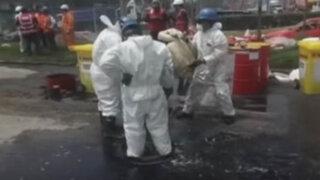 Caos vehicular en la autopista Ramiro Prialé por derrame de petróleo
