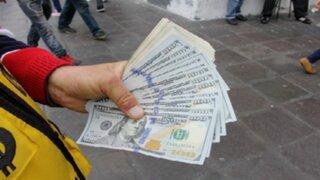 Precio del dólar bajó frente al sol al inicio de la jornada cambiaria