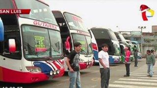 Sutran supervisa buses en terminal terrestre de Yerbateros
