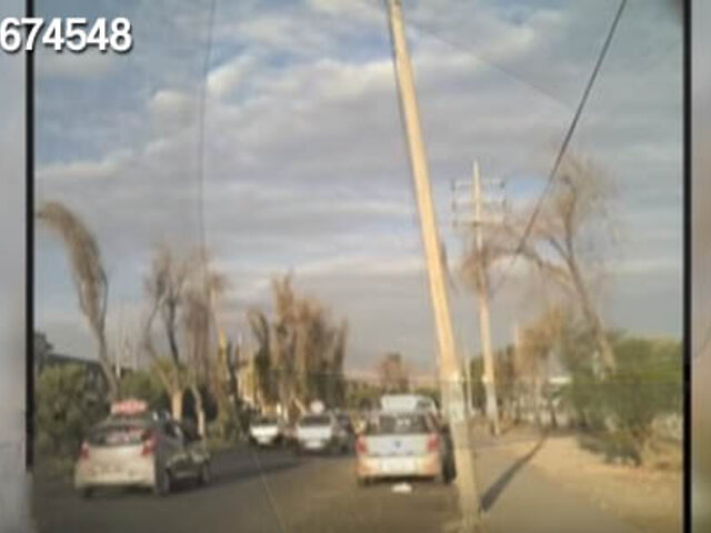Arequipa: peligro en terminal terrestre por poste a punto de caer