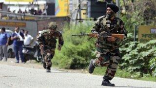 Ataque terrorista en base militar de la India deja siete muertos