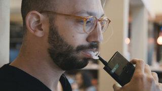 VIDEO: Jupiter IO 3, el primer smartphone que se puede 'fumar'