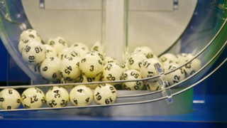 Estados Unidos: tres personas ganan 1.500 millones de dólares en lotería
